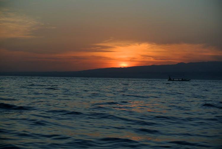 lovina-sunrise