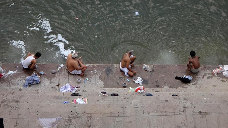 Varanasi India - by Paulo Leite