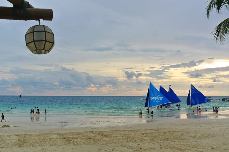 Before the sun sets on my last day in Boracay...