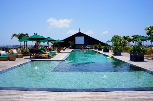 The large rooftop pool of U Paasha