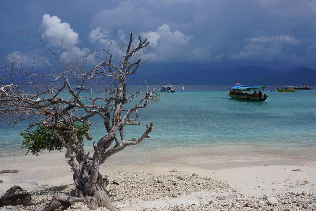 Gili Trawangan island - by Firanah Anuar