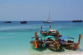 Shallow clear waters of Pattaya beach, Koh Lipe. This is what I woke up to for 2 days. Wish I can stay longer...